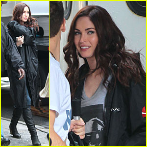 Megan Fox: Cell Phone Carrier on 'Ninja Turtles' Set!