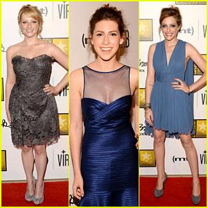 Melissa Rauch & Carly Chaikin - Critics' Choice TV Awards 2013