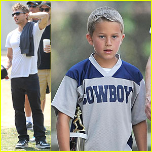 Ryan Phillippe: Hats Off to Deacon!