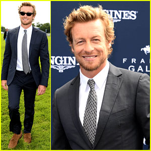 Simon Baker: Prix de Diane Longines in France!