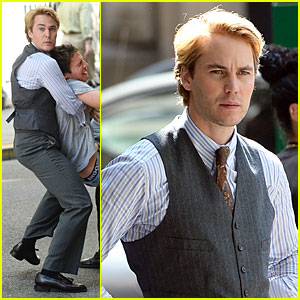 Taylor Kitsch Carries Crying Jonathan Groff  for 'Normal Heart'!