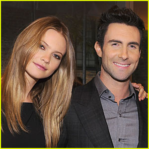 Adam Levine & Behati Prinsloo: Engaged After Reuniting!