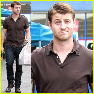 Benjamin McKenzie Stocks Up on Supplies