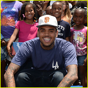 Chris Brown: Walk Everywhere in Unity's Shoes Event!