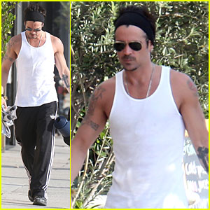 Colin Farrell: Buff Yoga Session with Sister Claudine!