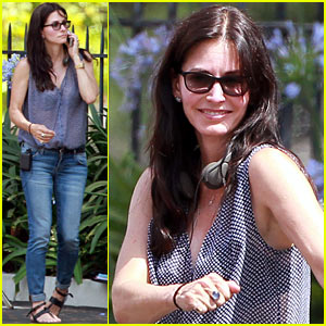 Courteney Cox Preps for Directorial Debut!