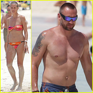 Heidi Klum: Bahamas Bikini Mama with Shirtless Martin Kirsten!