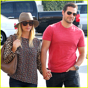 Henry Cavill & Kaley Cuoco: Holding Hands! | Celebrity ...