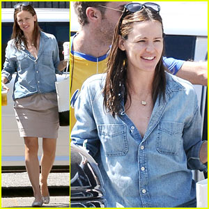 Jennifer Garner: Starbucks for Two