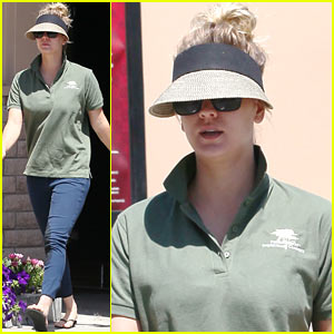 Kaley Cuoco Keeps Low Key at the Carwash