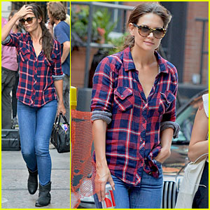 Katie Holmes: Short Video Shoot in the Big Apple!