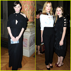Rose McGowan & Dakota Johnson: Viktor&Rolf Fashion Show!