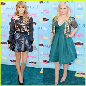 Bella Thorne & Abigail Breslin - Teen Choice Awards 2013 Red Carpet