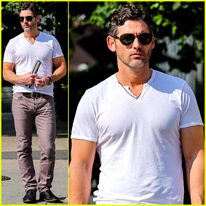 Eric Bana Strolls the West Village, New 'Closed Circuit' Clip!