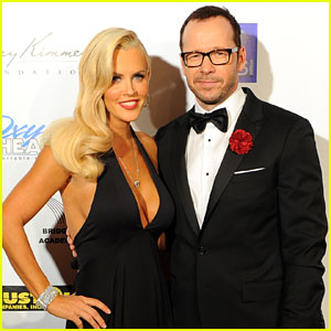 Jenny McCarthy & Donnie Wahlberg: First Couple Appearance!
