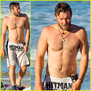 Joel Edgerton: Shirtless Hitman After 'Exodus' News!