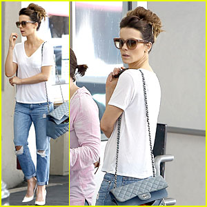 Kate Beckinsale Honors Father with Plaque Unveiling!