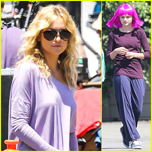 : 'Wish I Was Here' Set with Wig Wearing Joey King! | Joey King ... Joey King Wish I Was Here
