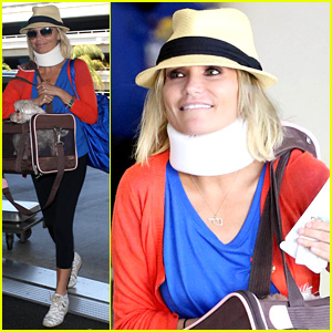 Miranda Kerr Wears Neck Brace After Car Crash Injury: Report