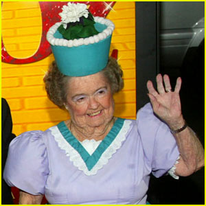 'Wizard of Oz' Munchkin Margaret Pellegrini Dead at 89