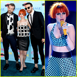 Paramore Performs 'Still Into You' at Teen Choice Awards 2013!