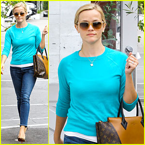 Reese Witherspoon Thanks 'Elle' Magazine for Great Shoot!