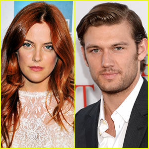 Riley Keough & Alex Pettyfer Hold Hands at 'Butler' Premiere