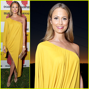 Stacy Keibler: Golden Gal at 'Roman Holiday' Screening!