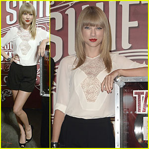 Taylor Swift: 11 Record Breaking Sold Out Shows at Staples!