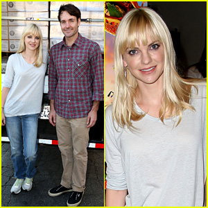 Anna Faris & Will Forte: 'Cloudy' Cast Supports Food Bank!