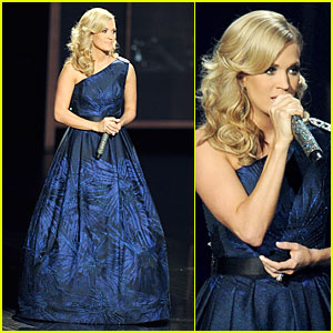 Carrie Underwood: Emmys 2013 Performance - Watch Now!