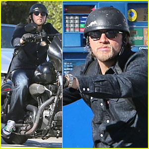 Charlie Hunnam: Motorcycle Ride on Emmys Sunday!