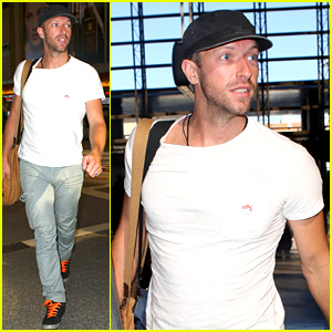 Chris Martin Catches Flight Out of Los Angeles