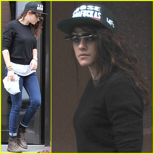 Kristen Stewart: Photography Supplies Shopping in Berlin!