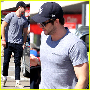 Liam Hemsworth Leaves Atlanta After Short Trip for Filming