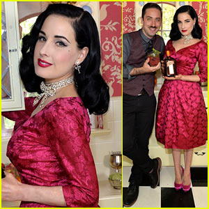 Dita Von Teese: Live Virtual Holiday Soiree!