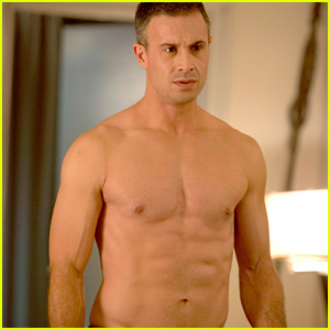 Freddie Prinze, Jr.: Shirtless Six-Pack for 'Witches of East End'!