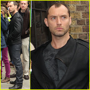 Jude Law: Free 30 Greenpeace Demonstration