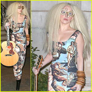 Lady Gaga Dons Paintings Inspired Dress in London!