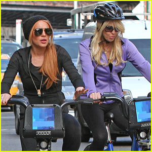 Lindsay Lohan CitiBikes with Mom Dina in New York City!