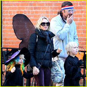 Naomi Watts & Liev Schreiber: Early Halloween with the Boys!