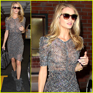 Rosie Huntington-Whiteley is Super Chic for Doctor's Visit