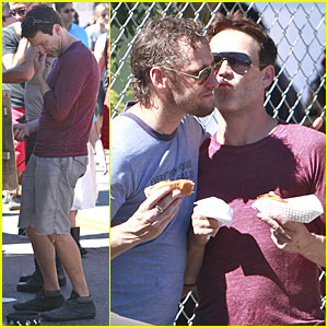 Stephen Moyer: Kiss on the Cheek for Male Pal!