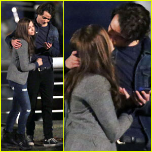 Chloe Moretz Kisses Co-Star Jamie Blackley for 'If I Stay'