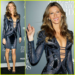 Gisele Bundchen: Plunging Neckline at WSJ Magazine Awards!