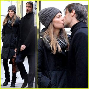 Hilary Swank & Laurent Fleury: Kiss Kiss in Paris!