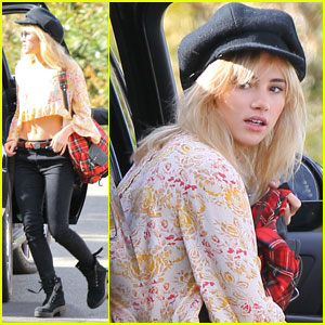 Suki Waterhouse Hits Up an L.A. Recording Studio