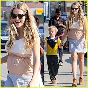 Teresa Palmer: Baby Bumpin' Lunch with Future Stepson Isaac!