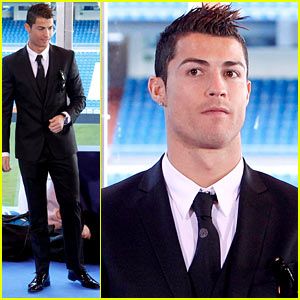 Cristiano Ronaldo: 'One Toy, One Hope' Charity Event!