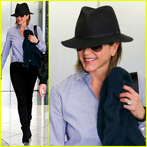 Jennifer Aniston Visits Skin Care Clinic After Christmas Tree Shopping